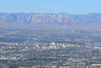 1024px-Las_Vegas_from_Frenchman_3.jpg