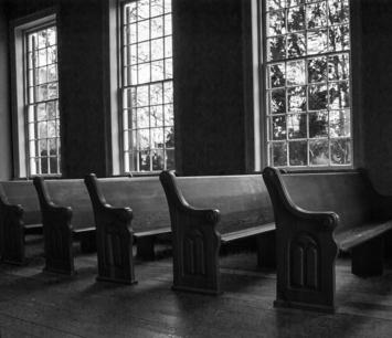 1043px-Church_pews,_Old_Brick_Church,_Mooresville,_AL,_image_by_Marjorie_Kaufman_01.jpg