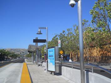 1200px-BRT_stop_King_Rd_San_Jose.jpg