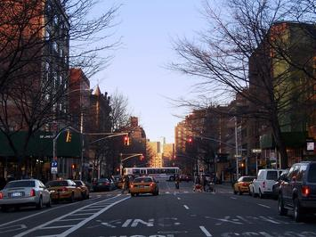 1200px-Hudson_Street.jpg