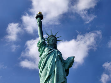 1200px-Liberty-statue-from-below.jpg