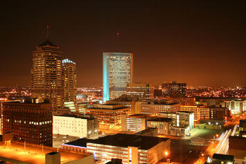 1280px-Columbus-ohio-downtown-night.jpg