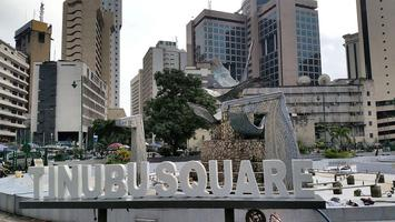 2014_Tinubu_Square_Lagos_Nigeria_14640600637.jpg