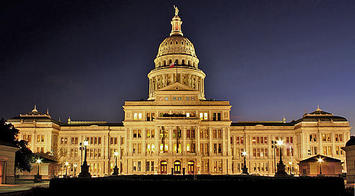512px-Texas_State_Capitol_Night.jpg