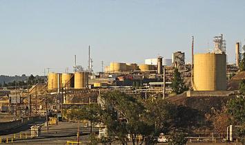 512px-Valero_Benicia_refinery.jpg