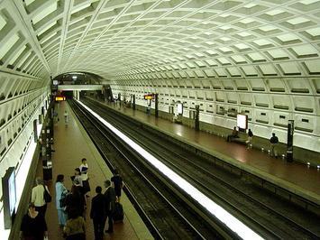 640px-Dupont_Circle_Station.jpg