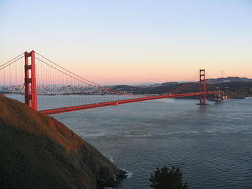 640px-Golden_Gate_Bridge_1926.jpg