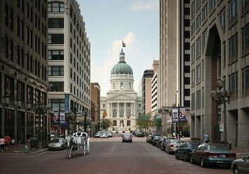 640px-Indiana_State_Capitol_Market_St.jpg