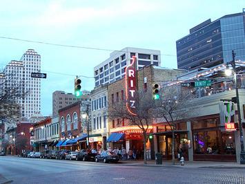 640px-Sixth_Street_Austin.jpg
