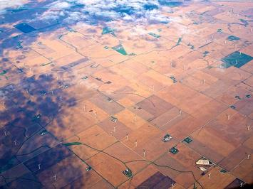 800px-Flying_over_the_midwest.jpg