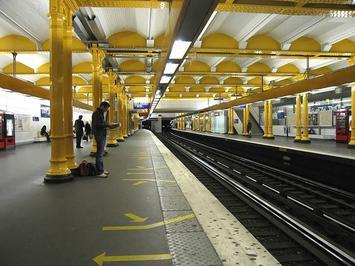 800px-Ligne-1-Gare-de-Lyon-1.jpg