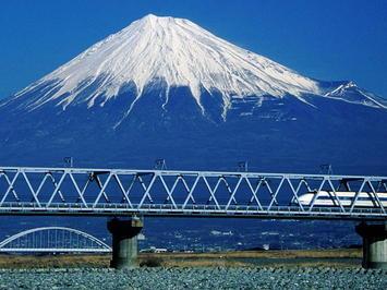 800px-Mount_Fuji_and_Shinkansen_100_from_Fuji_River.jpg