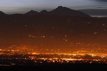 Boulder_CO_at_twilight.jpg