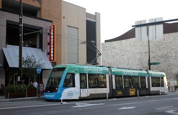 Cincinnati-bell-connector_station-1-the-banks_09-11-2016.jpg