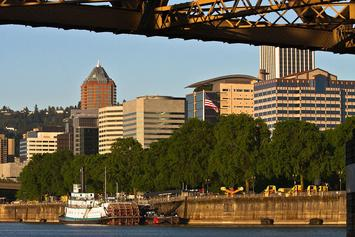 Downtown_Portland,_OR_by_Paul_Nelson.jpg