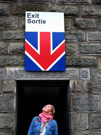 Exit-Sortie.jpg