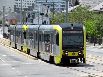 Gold_Line_train_on_East_1st_Street.jpg