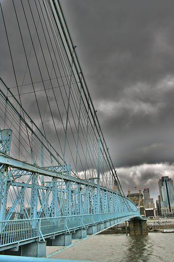John A. Roebling Bridge Cincinnati.jpg