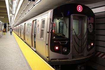 MTA_NYC_Subway_Q_train_at_96th_St.jpg
