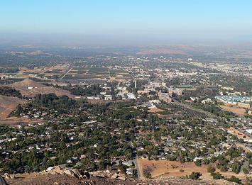 Riverside,_California_view_from_Box_Springs.jpg