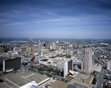 San_Antonio_Skyline.jpg