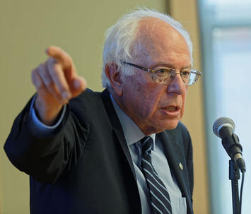Sanders_Meets_New_Hampshire_Seniors_a_02.jpg