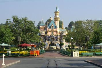 Sleeping_Beauty_Castle_Main-Street.jpg