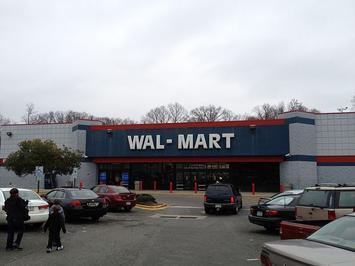 Wal-Mart_Eastway_Dr_Charlotte,_NC_(6794461846).jpg
