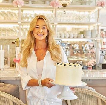 cake bake.jpg