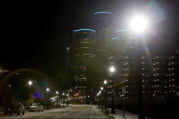 detroit-streetlights-nyt-1024x683.jpg