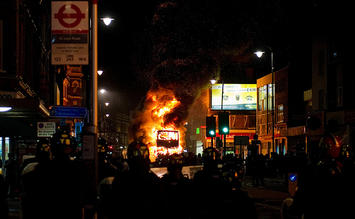 london-riot.jpg