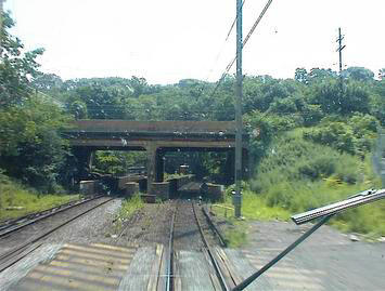 rail-approaching-hudson-river-tunnel.jpg