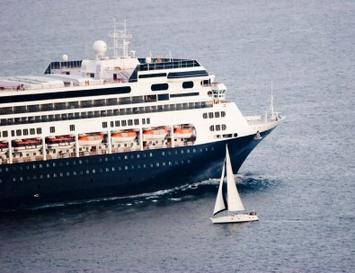 sailboat ship near miss
