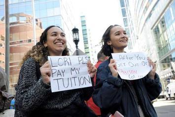 studentsprotesting.jpg