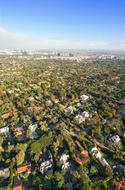suburbs-iStock_000006013811XSmall.jpg