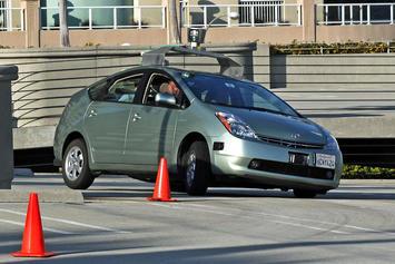 1024px-Jurvetson_Google_driverless_car_trimmed.jpg
