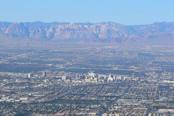 1024px-Las_Vegas_from_Frenchman_3.jpg