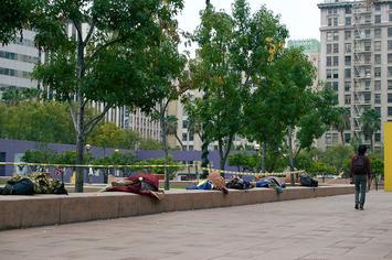 1200px-Homeless_people_sleeping_in_Pershing_Square_in_Downtown_Los_Angeles_(DTLA)_13.jpg