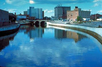 640px-Flint_River_in_Flint_MIchigan.jpg