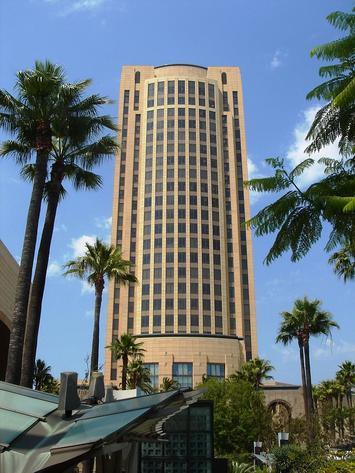 675px-Los_Angeles_Gateway_Plaza_Office.jpg