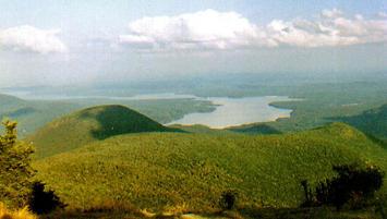 Ashokan_Reservoir_from_Wittenberg.jpg