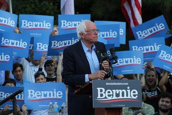 Bernie_Sanders_campaigns-at_UNC-Chapel_Hill.jpg