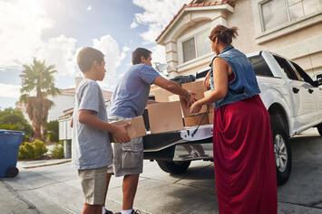 Family-loading-pickup-truck.jpg