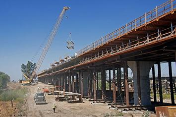 Fresno_River_Viaduct_construction_2016b.jpg