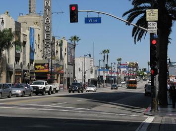 Hollywood_Vine_-_panoramio.jpg