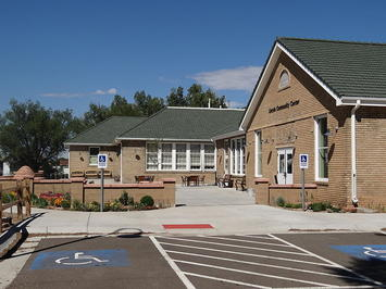 Lincoln_Community_Center,_looking_west_01.jpg