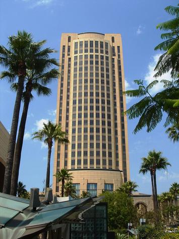 Los_Angeles_Gateway_Plaza_Office.jpg