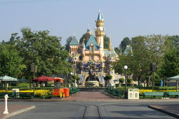 Sleeping_Beauty_Castle_Main-Street.jpg