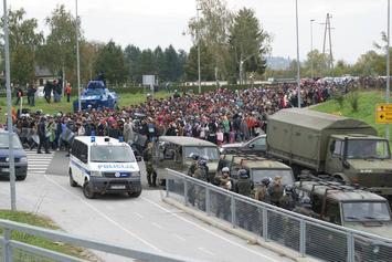 Slovenska_vojska_pri_reševanju_migrantske_situacije_z_več_zmogljivostmi_01.jpg