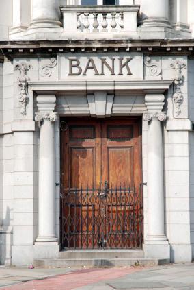 bank-iStock_000006117678XSmall.jpg